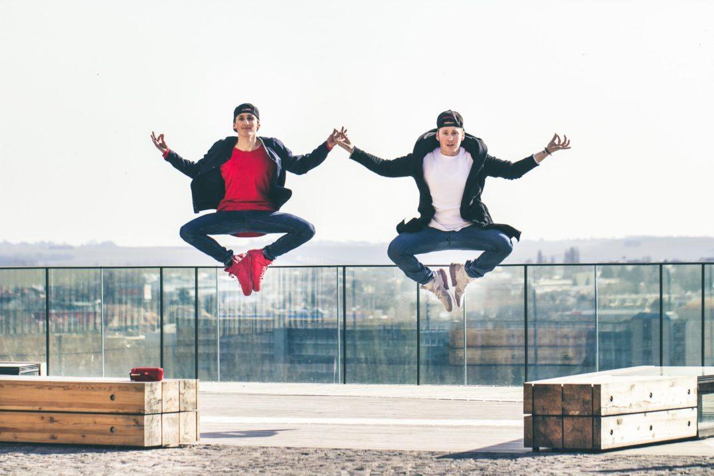 7a404117d Talentovaní Slováci natočili skvelé tanečné video. Hýbu sa ako z gumy!