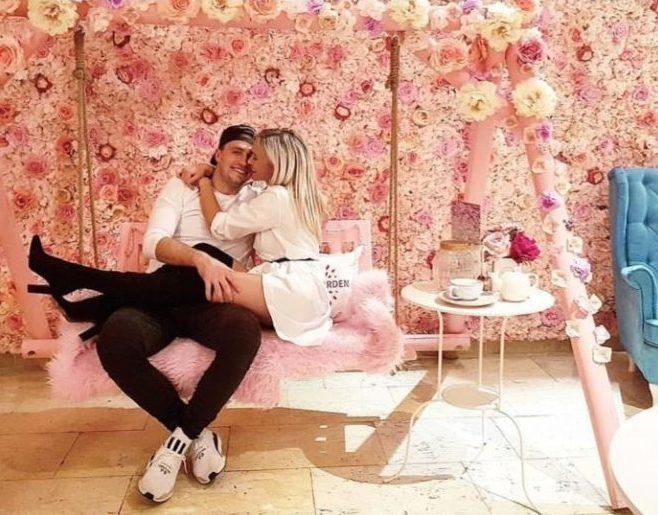 pink garden plackova